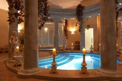 Badekurort mit römischen Spalten Lizenzfreie Stockfotografie