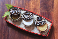 Badekurort-Produkte mit goldenem Platten-Bestandteil lizenzfreies stockbild
