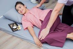 Badekurort und thailändische Massage für die Entspannung lizenzfreies stockfoto