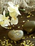 Badekurortaufbau von Steinen, von Badesalze und von Orchidee f Stockbilder