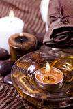 Badekurortbehandlung - entspannen Sie sich mit Kerzen und Kontrollturm Lizenzfreies Stockfoto