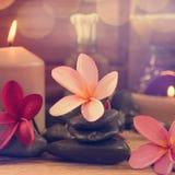 Badekurorteinstellung mit Kerzenlicht Stockbilder