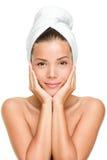 Badekurorthautsorgfalt-Schönheitsfrau lizenzfreies stockbild