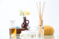 Badekurortkonzept mit Aromatherapie, Lufterfrischer, ätherisches Öl Lizenzfreie Stockfotos