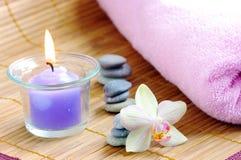 Badekurortkonzept mit Kerzen stockfotos