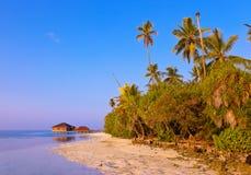 Badekurortsaal auf Malediven-Insel lizenzfreies stockfoto