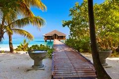 Badekurortsaal auf Malediven-Insel stockfotografie