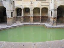 Badet England har den historiska Roman Baths arkivbilder