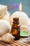 Badezimmer BADEKURORT eingestellt mit ätherischem Öl, Salz stockfotos