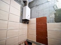 Badezimmer, das retiled ist Lizenzfreies Stockbild