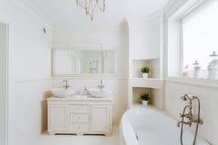 Badezimmer in der französischen Art Stockbilder