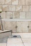 Badezimmer-Fliese gestalten Projekt um Stockfotografie