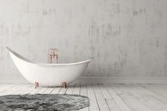 Badezimmer mit Teppich, Bretterboden und rauer Wand Stockbild