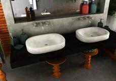 Badezimmer sinkt modernes Stockbild