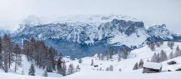 Badia-panorama- Sella - Alta Royaltyfria Foton