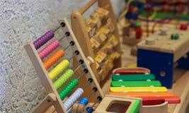 Badinez le jouet pour la compétence de développement, concept d'éducation image libre de droits