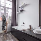 Badkamers in industriële stijl stock foto