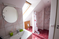 Badkamers met douche Stock Foto