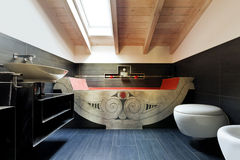 badkamers met etnisch bad Stock Fotografie