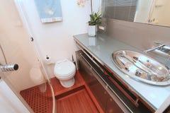 Badkamers op een Jacht Royalty-vrije Stock Foto