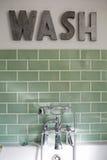 Badkamers van Eigentijds Familiehuis stock fotografie