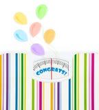 Badkamersschaal met ballons en congrats tekst op wijzerplaat Royalty-vrije Stock Fotografie