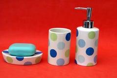 badkamerstoiletries Reeks van badkamerstoiletry & zeeptablet Stock Foto