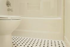 Badkuip en Toilet Stock Afbeeldingen