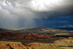 Badlands de Wyoming con la tormenta fotos de archivo
