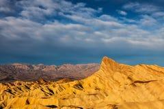 Badlands del punto de Zabriskie del parque nacional de Death Valley foto de archivo
