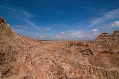 Badlands park narodowy - krajobraz obszary trawiaści i żlobić rockowe formacje obraz stock