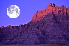 badlandsfullmåne royaltyfria foton