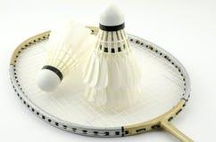 Badminton auf Weiß Lizenzfreie Stockfotos