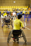 Badminton da cadeira de rodas dos homens Fotos de Stock Royalty Free