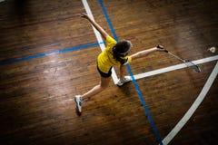 Badminton sądy z gracza konkurowaniem Zdjęcia Stock