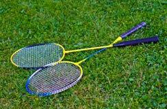 Badmintonracket op gras Stock Afbeeldingen