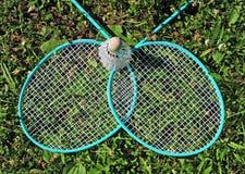 Badmintonrackets in gras Stock Fotografie