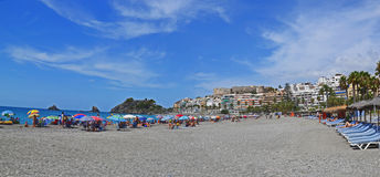Badortstad Almunecar i Spanien, panorama Royaltyfria Bilder