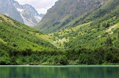 Baduk Seen von Teberda Lizenzfreie Stockbilder