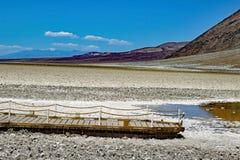 Badwater basen przy Śmiertelnym Dolinnym parkiem narodowym fotografia royalty free