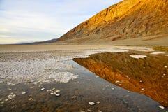 Badwater, Doodsvallei stock foto's