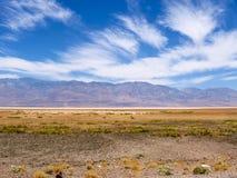 Badwater handfat, Death Valley landskap Royaltyfri Fotografi