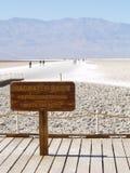 Badwater handfat i Death Valley Arkivbilder