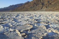 Badwater zoute vlakten Stock Afbeelding