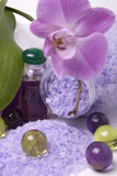 Badzubehör und -orchidee Lizenzfreies Stockfoto