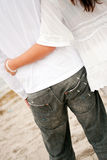 baech αγκαλιά ζευγών Στοκ εικόνες με δικαίωμα ελεύθερης χρήσης