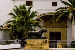 BAENA, ESPANHA - 12 DE SETEMBRO DE 2018 rua estreita velha em um t pequeno imagem de stock royalty free