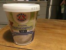 Baerenmarke świeży naturalny jogurt fotografia royalty free