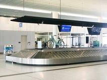 Bagażowy żądanie przy Charleston lotniskiem międzynarodowym obraz stock