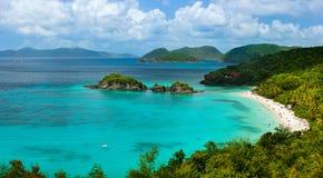 Bagażnik zatoka na St John wyspie, USA Dziewicze wyspy Zdjęcia Royalty Free